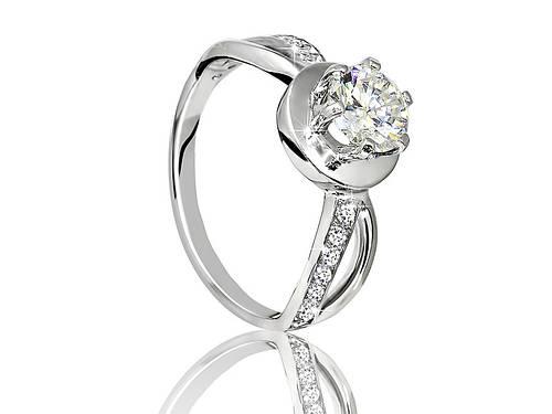 Серебряное родированное помолвочное кольцо солитер с одним камнем цирконием, фианитом к00064
