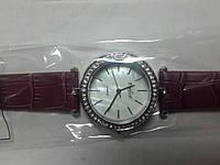 Часы кварцевые Perfect  на ремешке серебристый корпус арт.156