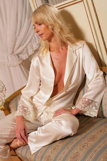 Жіноча шовкова піжама Welle