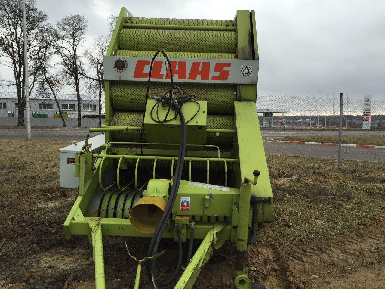 Прес-підбирач рулонний Claas Rollant 62