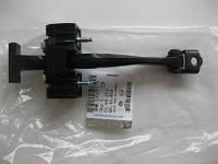 Ограничитель (фиксатор) открывания передней двери GM 5160251 13107175 OPEL Astra-H