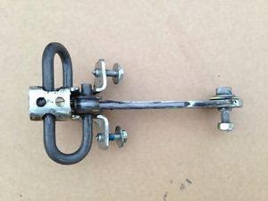 Ограничитель (фиксатор) открывания задней двери OPEL VECTRA-B