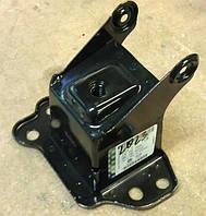 Буфер правого лонжерона (домик), кронштейн крепления усилителя переднего бампера правый 1400709 93368359 OPEL Meriva-A