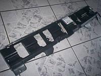 Кронштейн, опора переднего бампера центральная (пластиковая) чёрная GM 1406551 1406030 13212764 93330084 13212765 OPEL Meriva-A