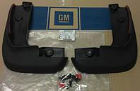 Брызговики передние комплект (2 шт с креплениями) GM 1718074 1718017 13412730 32026274 OPEL Astra-J 5 door hatch (хечбэк) & 5 door caravan (универсал)