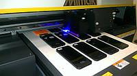 Цифровая печать на чехлах для мобильных телефонов с помощью полноцветной УФ печати.