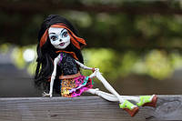 Кукла монстер хай Скелита Калаверас из серии Скариж (город страха) Monster High Scaris Skelita Calaveras