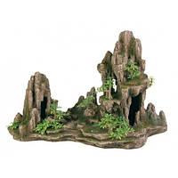 Декорация Trixie Скала с пещерами и растениями, 45 см.