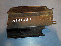 Крышка блока реле 7703 297 191 Renault megane l
