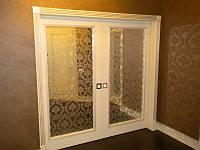 Дверь из массива дерева со стеклом межкомнатная