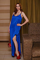 Шелковое женское платье в пол на тонких бретелях с разрезом