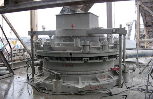 Конусная дробилка мелкого дробления КМД 2200Т
