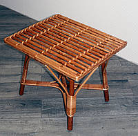 Плетеный стол из лозы