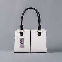 Белая сумка с черными ручками женская