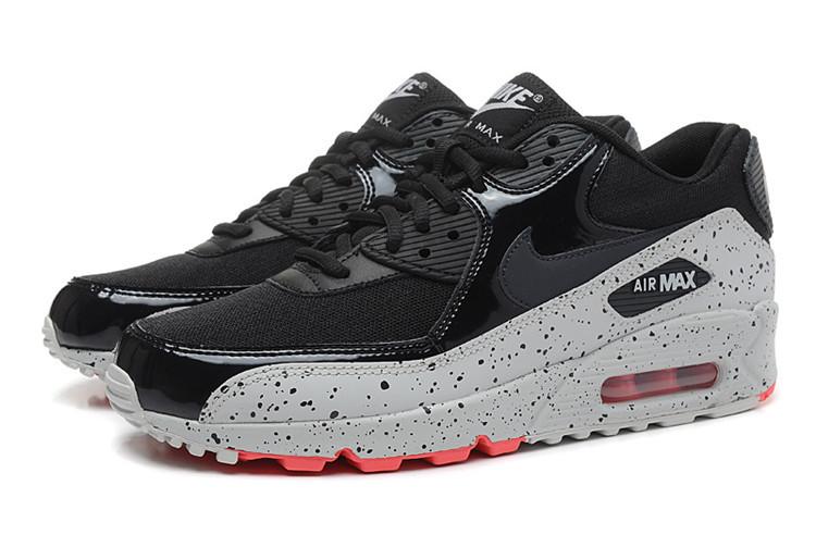 Кроссовки мужские Nike Air Max 90. Легендарная модель мирового бренда,  которая не теряет популярность среди покупателей. Удачное сочетание  непревзойденного ... cc16c800e0c