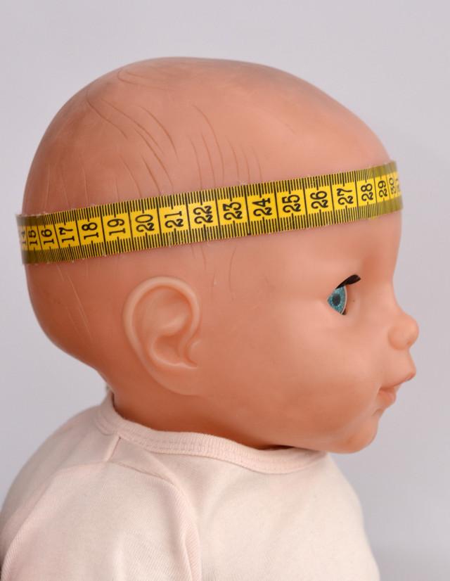 обхват головы ребенка