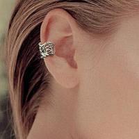 Серьга клипса для имитации пирсинга ушей под черненное серебро.