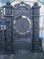 Кованые ворота и столбы