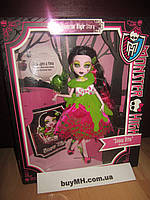 Кукла Дракулаура Страшные сказки Monster High Snow Bite Draculaura Scary Tales