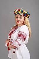 Блузка ручної вишивки, червоні орнаменти