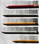 Простые карандаши (чернографитные)