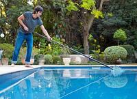 Сервисное обслуживание бассейнов. Чистка мойка бассейнов
