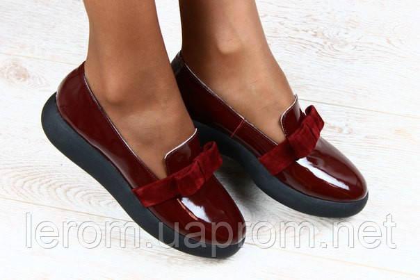 Туфли из лакированной кожи с бантом бордовые