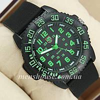 Бюджетные часы Luminox 3051 Black/Green