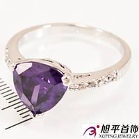 Кольцо родиум «Треугольный камень»
