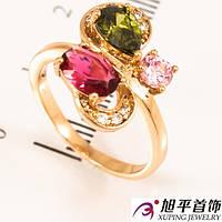 Кольцо лимонное золото восьмерка с тремя камнями