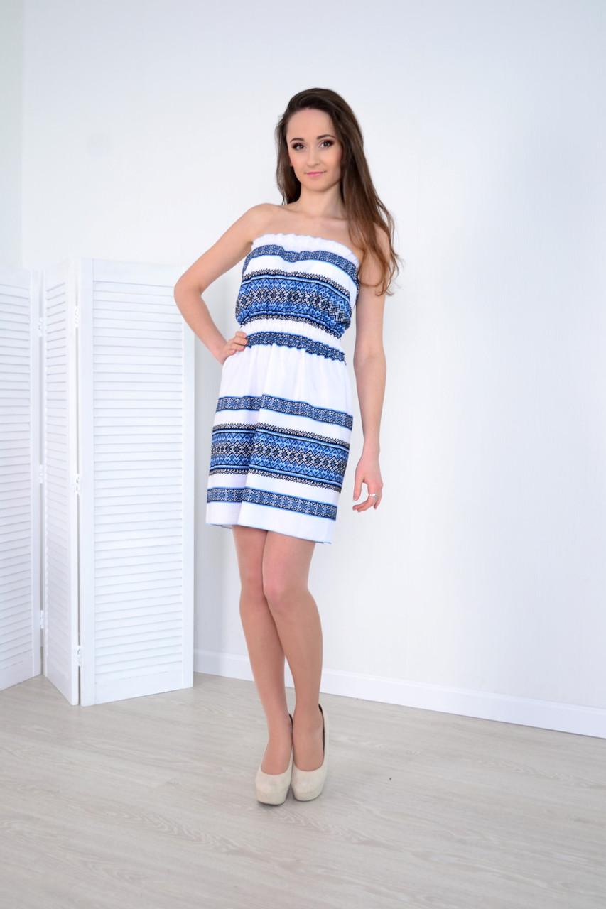 Стильное молодежное платье сарафан из льна украшено традиционной вышивкой