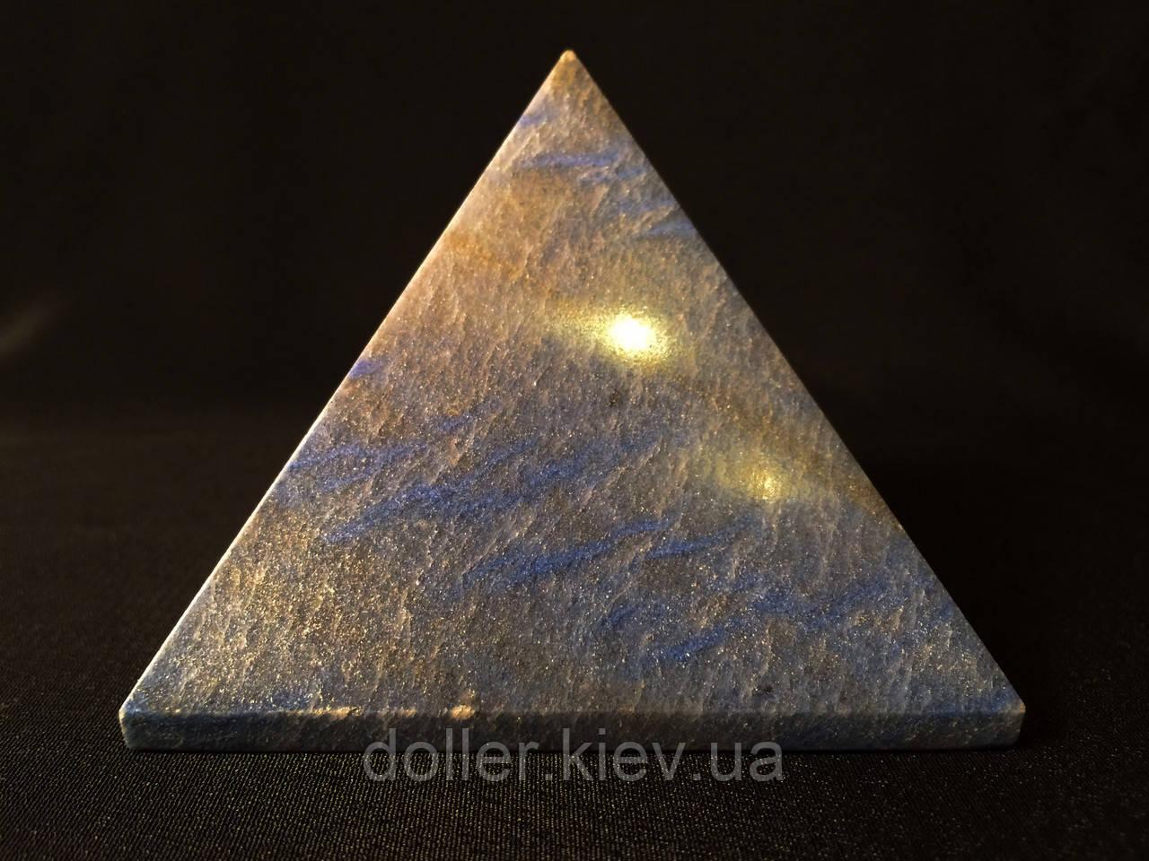Пірамідка кварцова. Блакитний кварц.