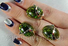 Серебряный гарнитур с зеленым янтарем и золотом