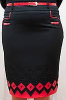 Женская юбка  черная со вставками эко-кожи красного цвета