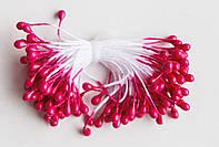 Темно-розовые тычинки