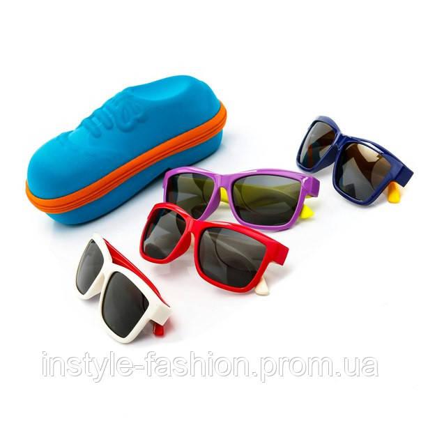 Очки детские с цветными дужками