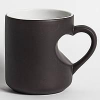 Чашка сублимационная Хамелеон Ручка Сердце Черная