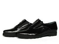 Закрытые кожаные туфли с лаковым блеском с двумя резинками и молнией