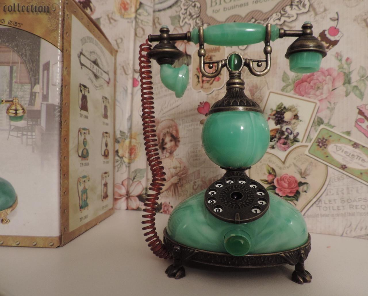 """Зажигалка  """"Малахитовый ретро телефон"""" - газовая пьезо. Настольная, сувенирная, подарочная."""