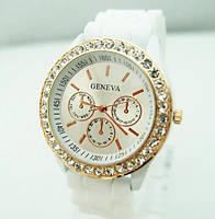 Годинник наручний жіночий зі стразами Geneva Білий / Часы наручные женские со стразами Женева Белые
