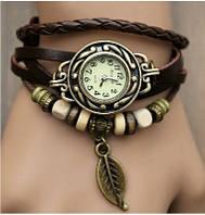 Часы-браслет с подвеской листик коричневые