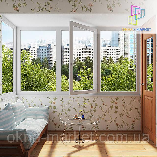 Скління балкона в чеському проекті Києві