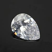 Фианит(кубический циркон).Цвет Crystal . форма Капля 7х10мм.Цена 1шт