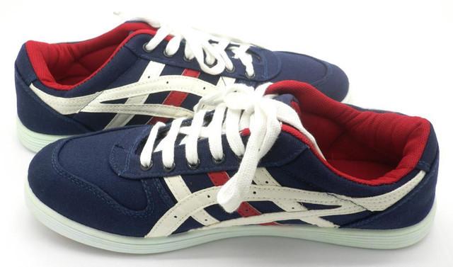 Крепкие кроссовки в стиле Asics 41 (26,5 см) размеры
