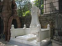 Памятник из мрамора № 2028