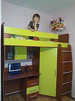 """Детская кровать-чердак """"Карлсон"""" со шкафом и столом"""