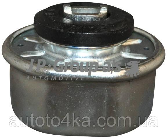 Опора двигуна JP Group 1117904700
