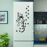 Виниловая наклейка на холодильник - кот и следы, фото 1