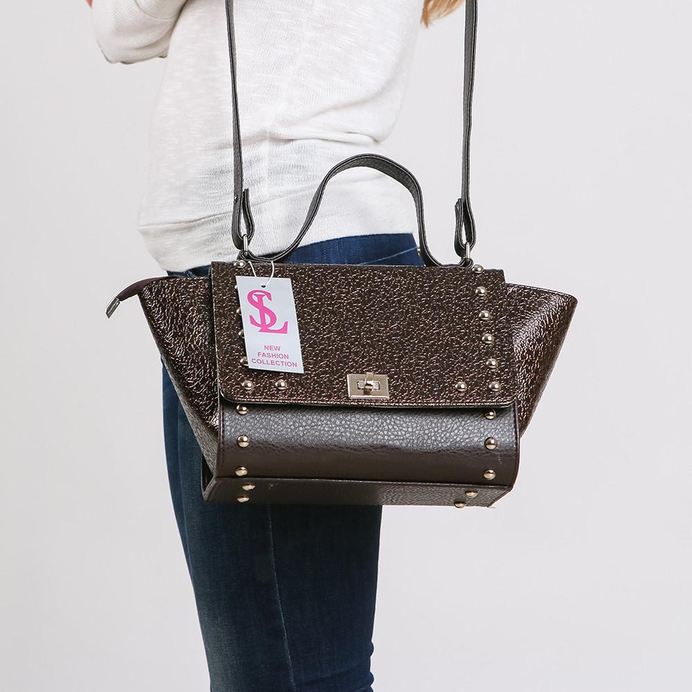 47ed67681af3 Сумочка молодежная треугольная жесткая с клапаном - Интернет магазин сумок  SUMKOFF - женские и мужские сумки