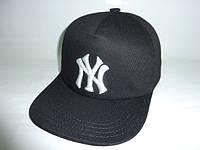 Черная кепка с прямым козырьком , фото 1